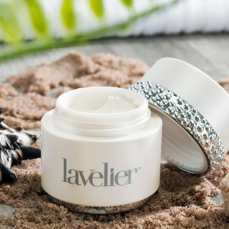 Lavelier moisturizer